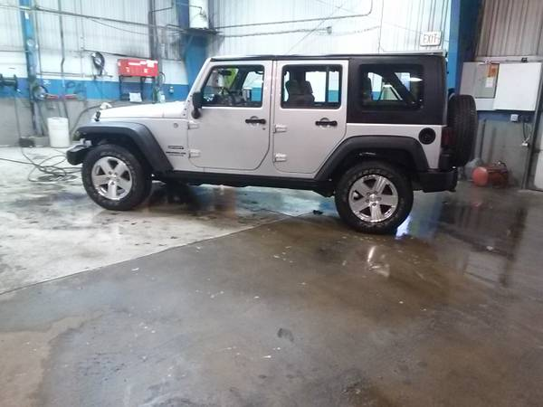 2010 jeep wrangler unlimited sport for sale in chicago il. Black Bedroom Furniture Sets. Home Design Ideas